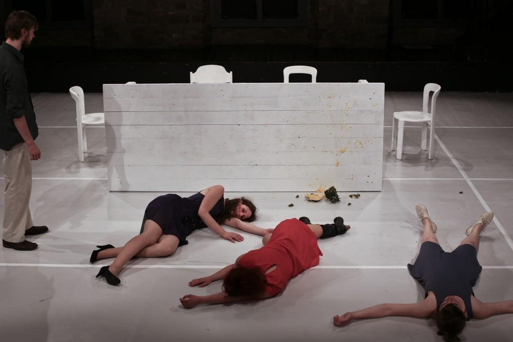 SCHLACHTEN von Rainald Goetz (Folkwang Universität der Künste 2013) Mit: Jasper Schmitz, Annina Büchenbacher, Paula Gendrisch, Pia Alena Wagner.